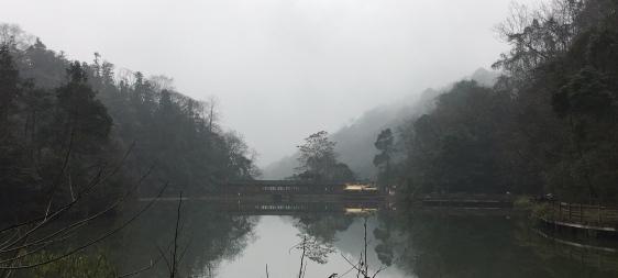 chengdu - qingcheng mountain lake