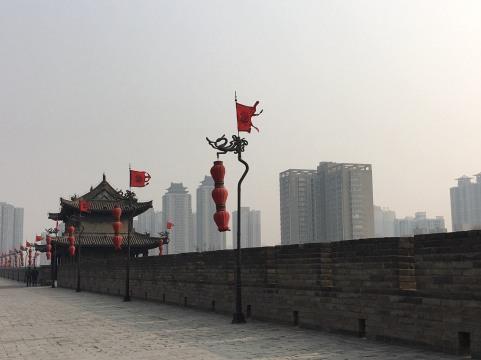 xi'an city wall vs. outside